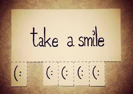 vigyel-mosolyt